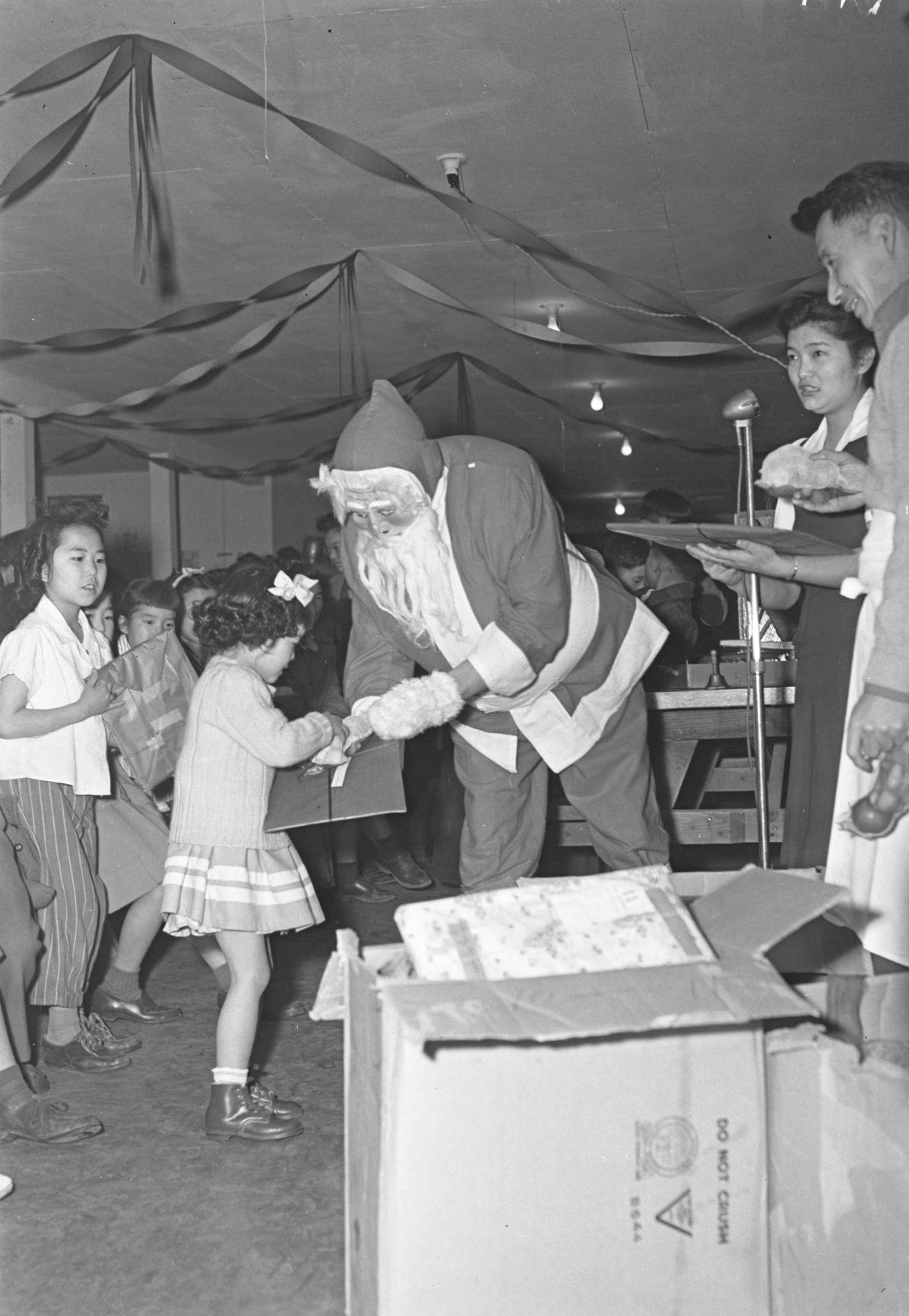 japanesechristmas-YH-121917-2.jpg
