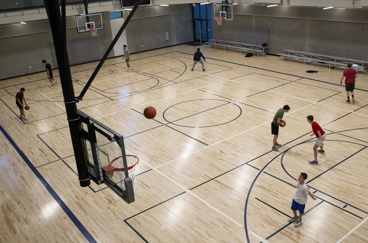 200912-yh-news-gyms-3.jpg