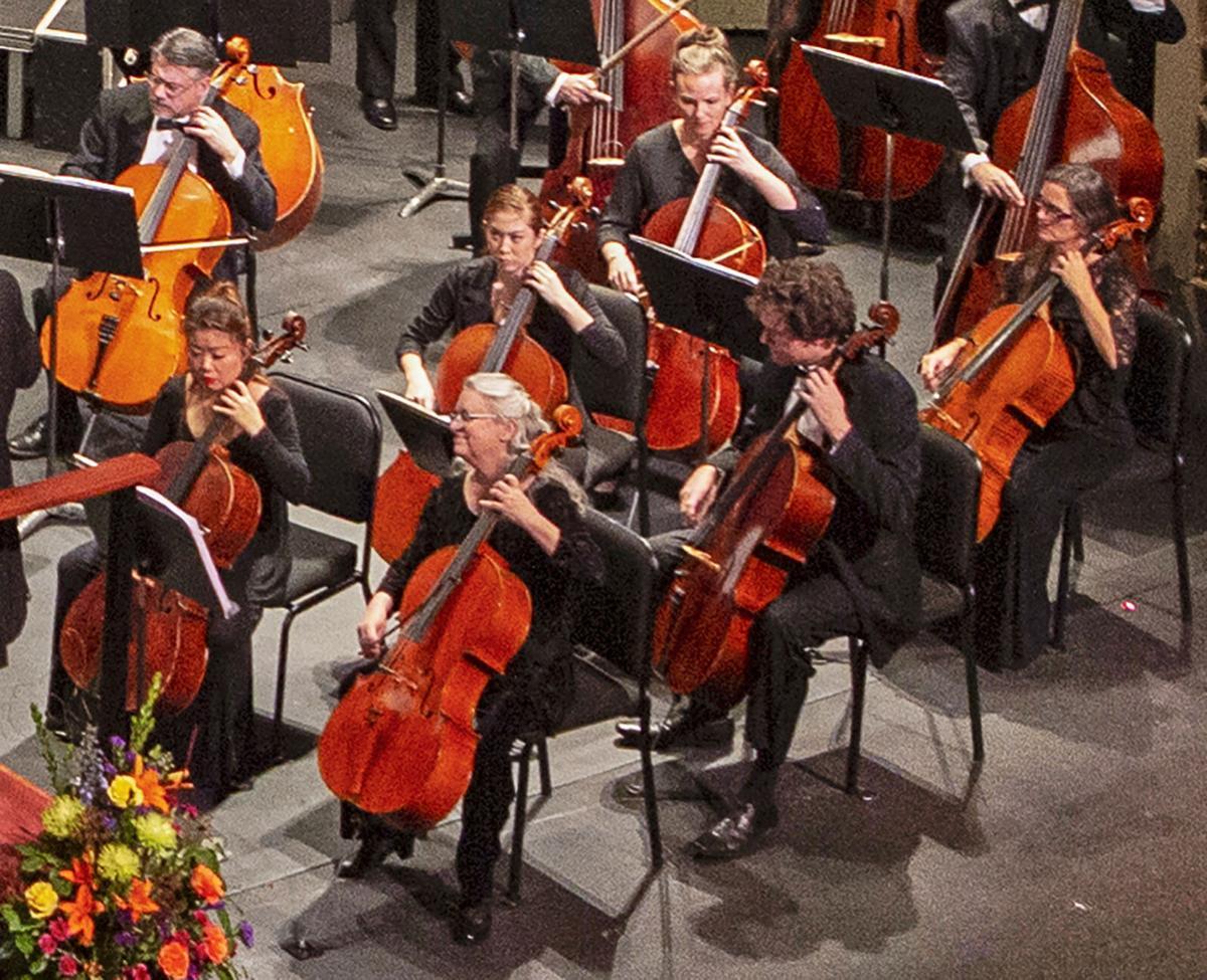 210204-yh-scene-symphonycolumn.jpg