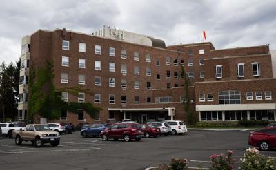 200629-yh-news-hospitalizations-1