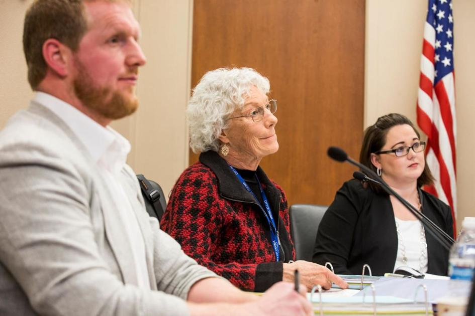 Yakima City Council unanimously votes to consider censuring White