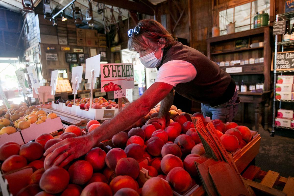 200903-yh-scene-peaches-2.jpg