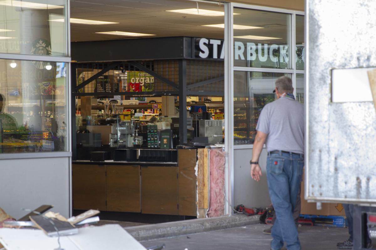 200520-yh-news-carvstarbucks-2
