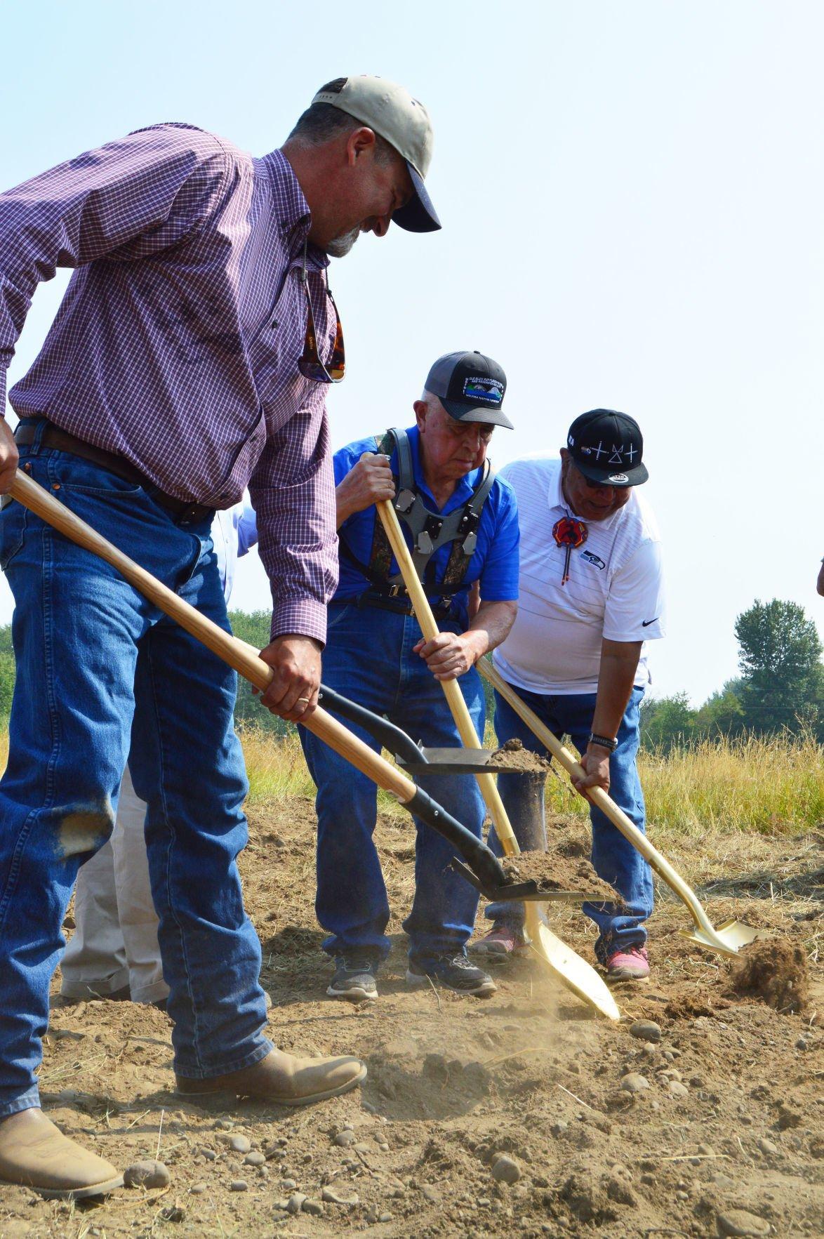 Ground broken for new Yakama Nation fish hatchery   Local