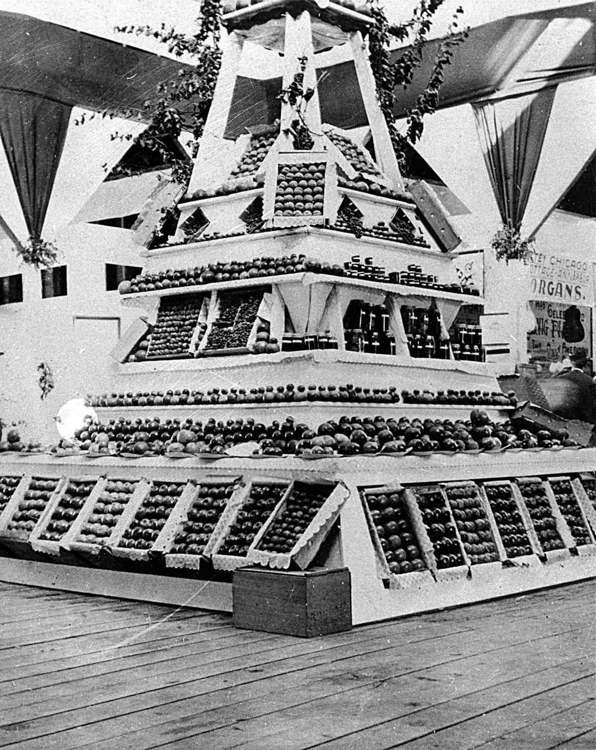 pyramid of apples
