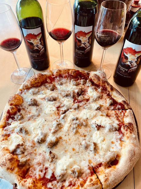 wine - pizza-and-wine-pairing-with-Italian-grapes.jpg