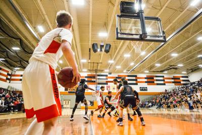 Davis- Moses Lake basketball