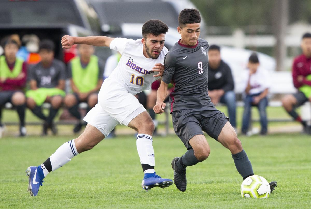 Midfield duo key to Toppenish soccer team's success | Sports Watch