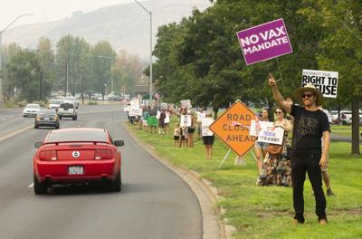 210816-yh-news-vaxprotest-1.jpg