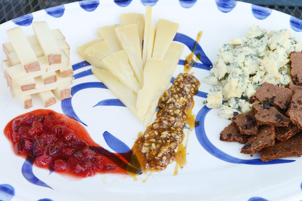 ENTG-HDY-CHEESE-PLATE-1-PG