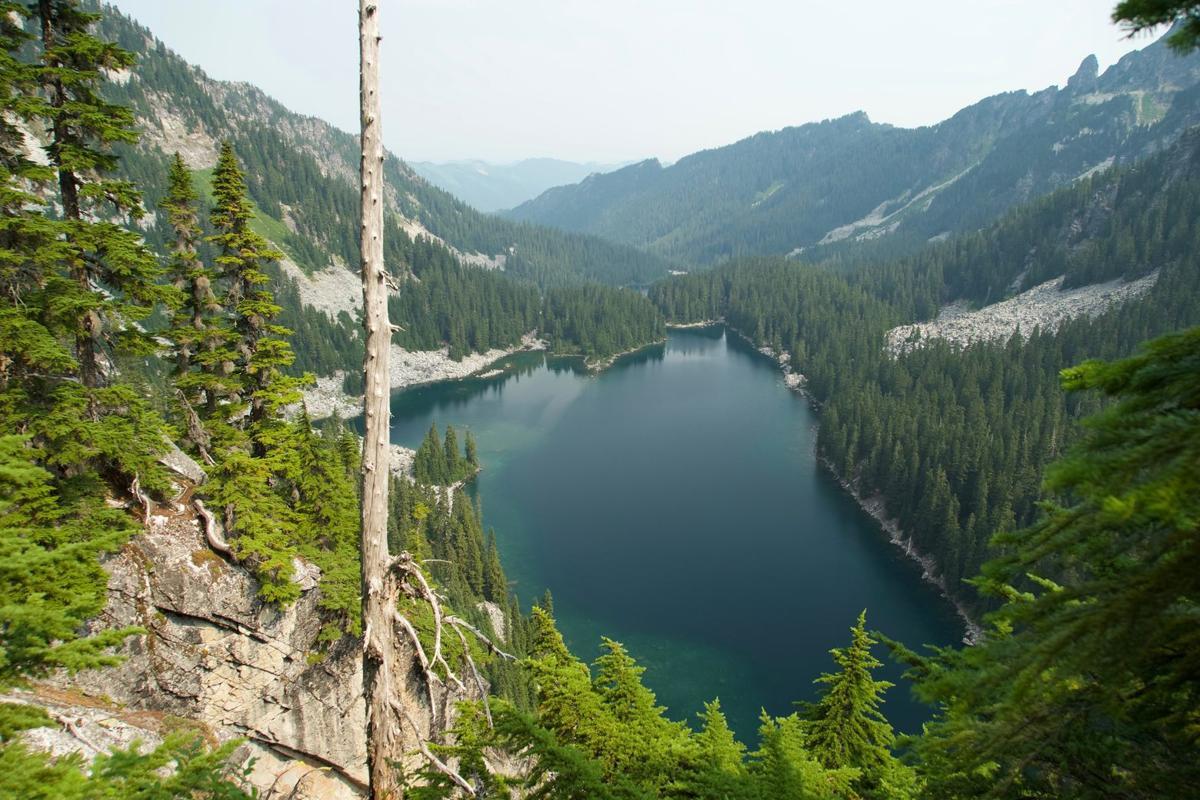 pct pieper pass pacific crest trail glacier lake surprise lake