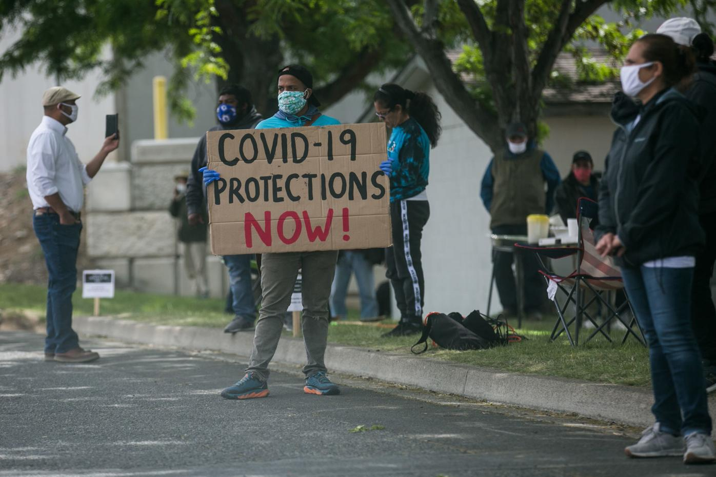 200519-yh-news-workerprotests-3.jpg