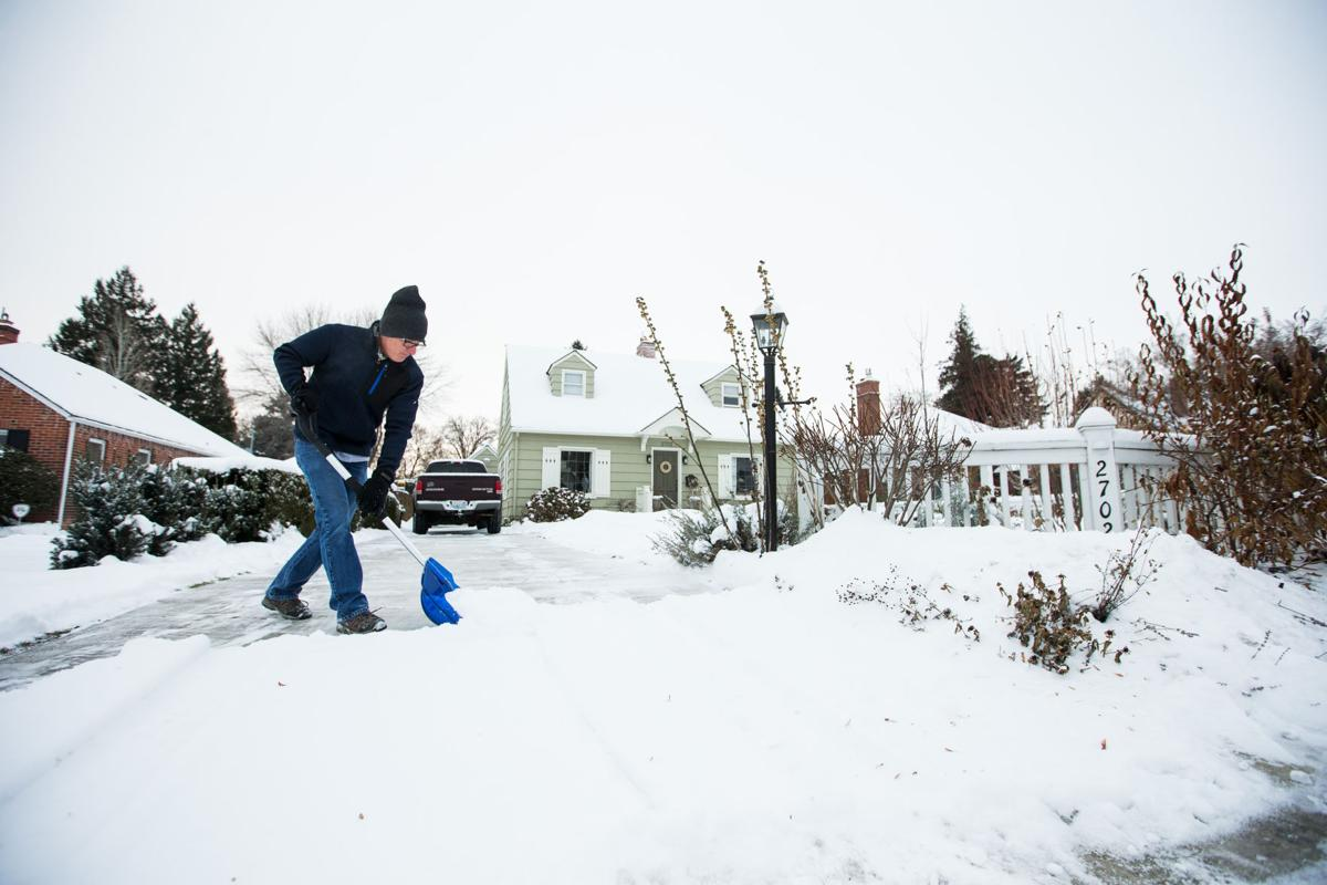 b>UPDATED:</b> Weather Service issues winter weather advisory, ups ...