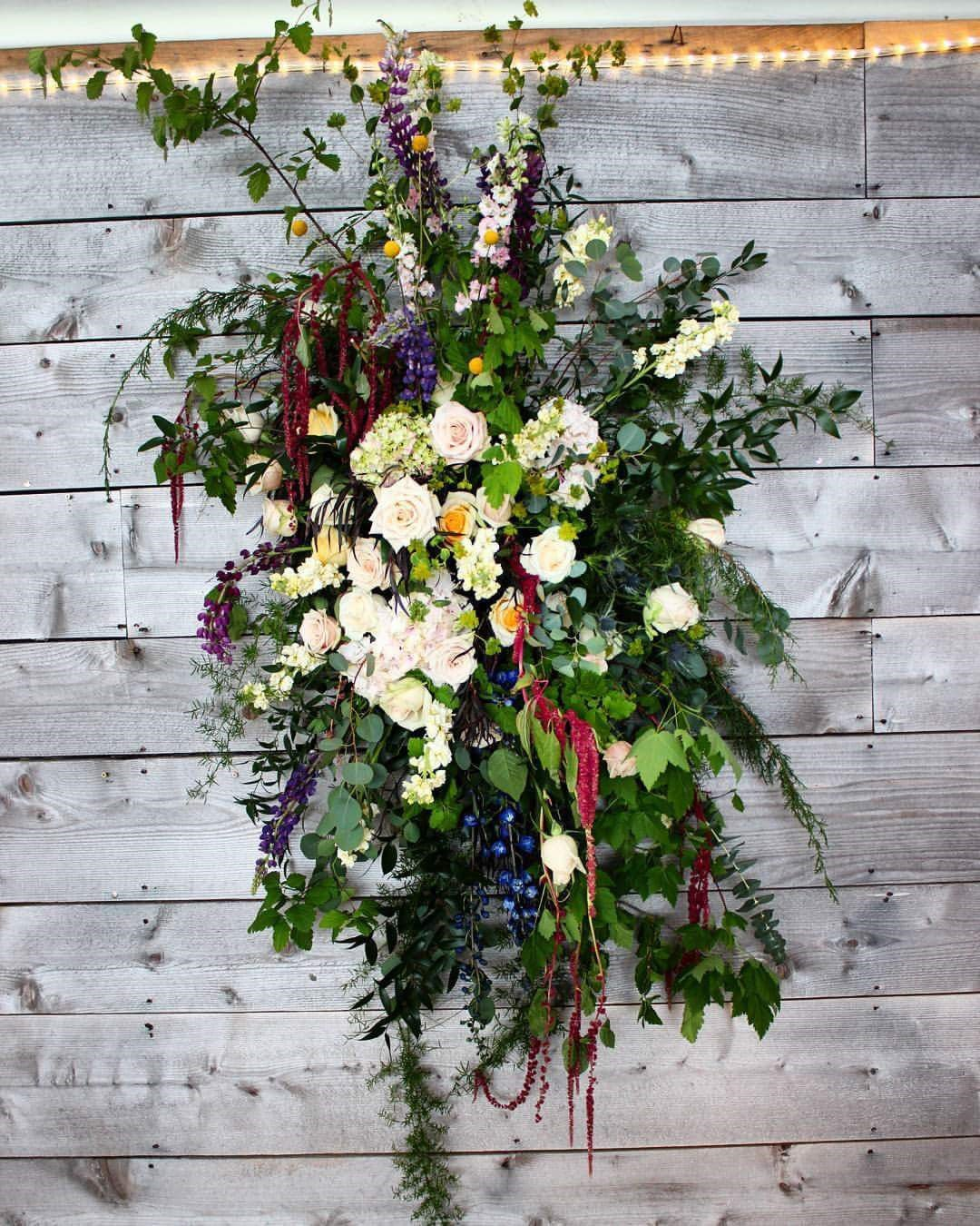 Wedding flowers what s 'on trend for your special day