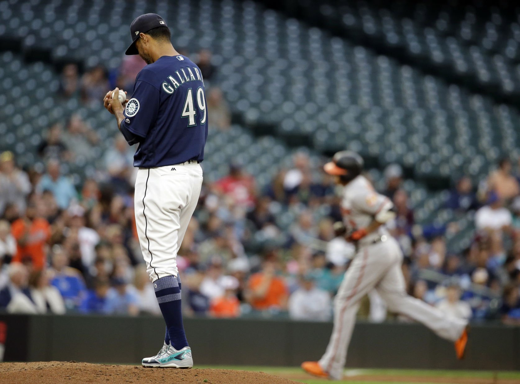 Albers earns 1st win in 4 years, Mariners top Orioles 3-1