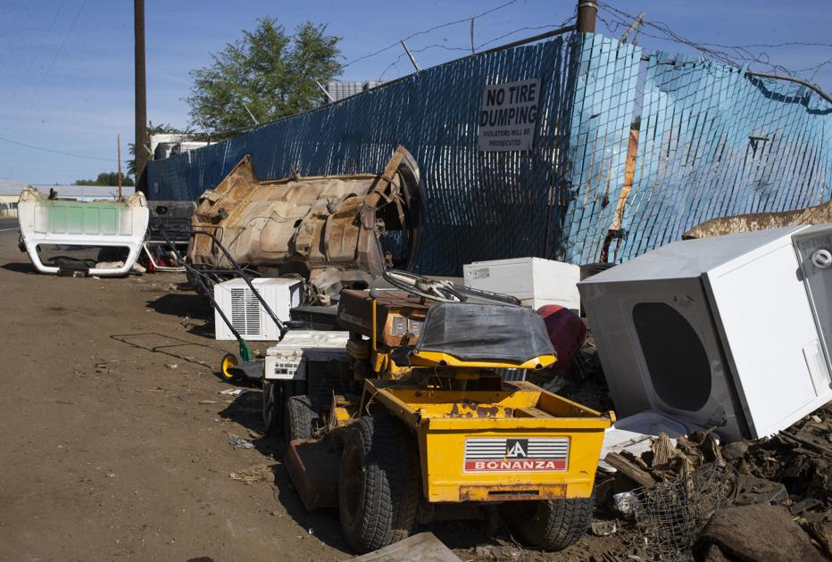 Yakima County Sheriff's Office looking into illegal dumping