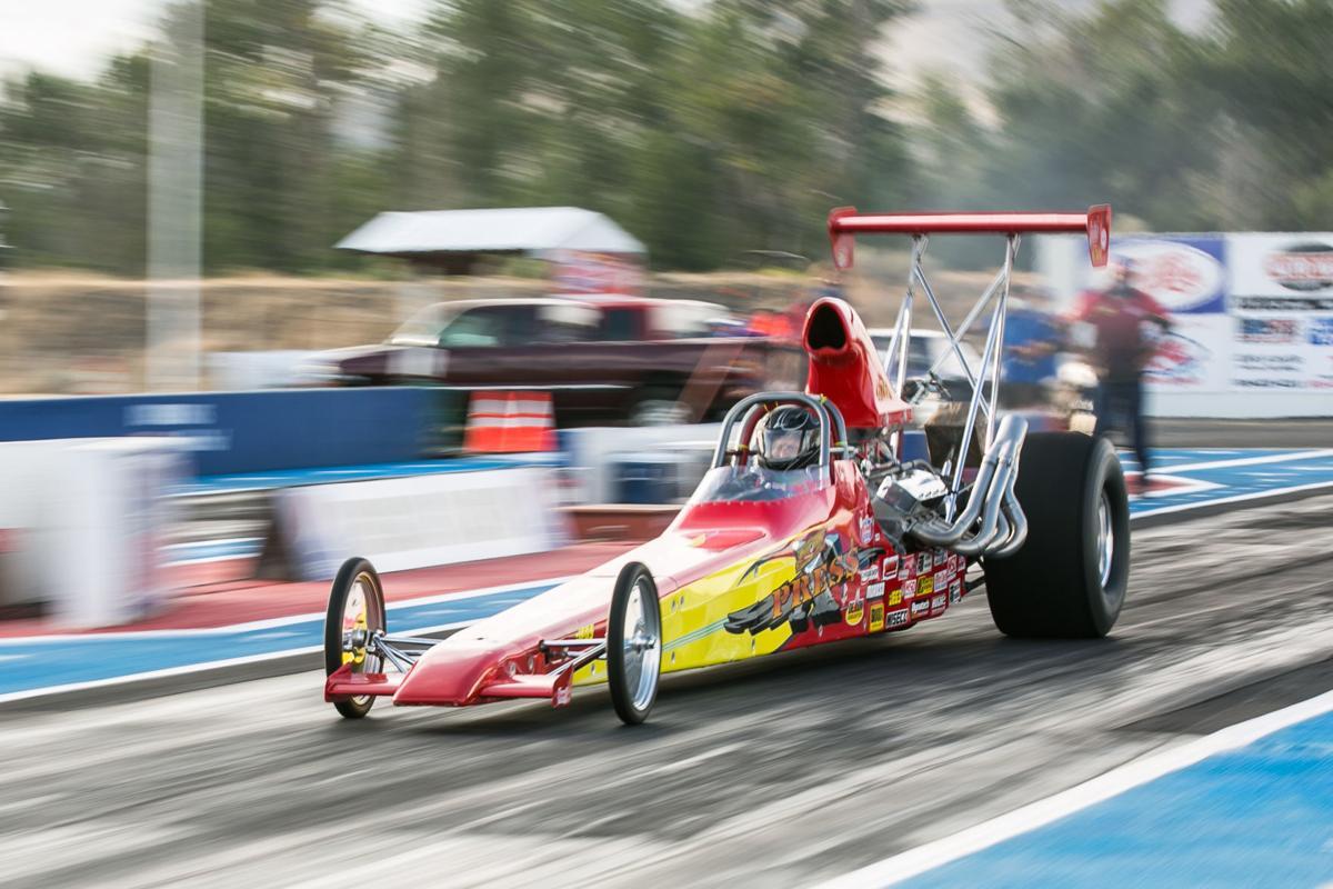 200704-yh-sports-car-renegade-raceway-1.jpg