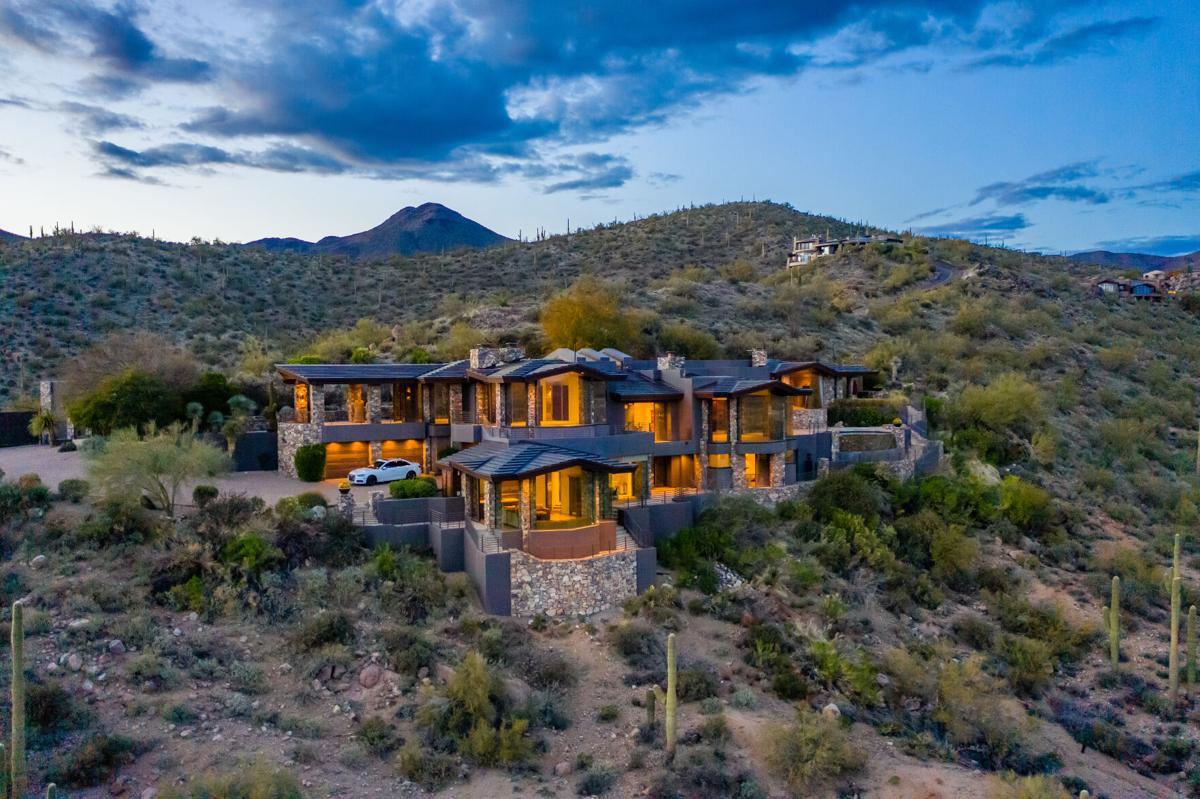Steven Seagal_s estate Scottsdale (c) Engel _ Völkers Scottsdale (8).jpg