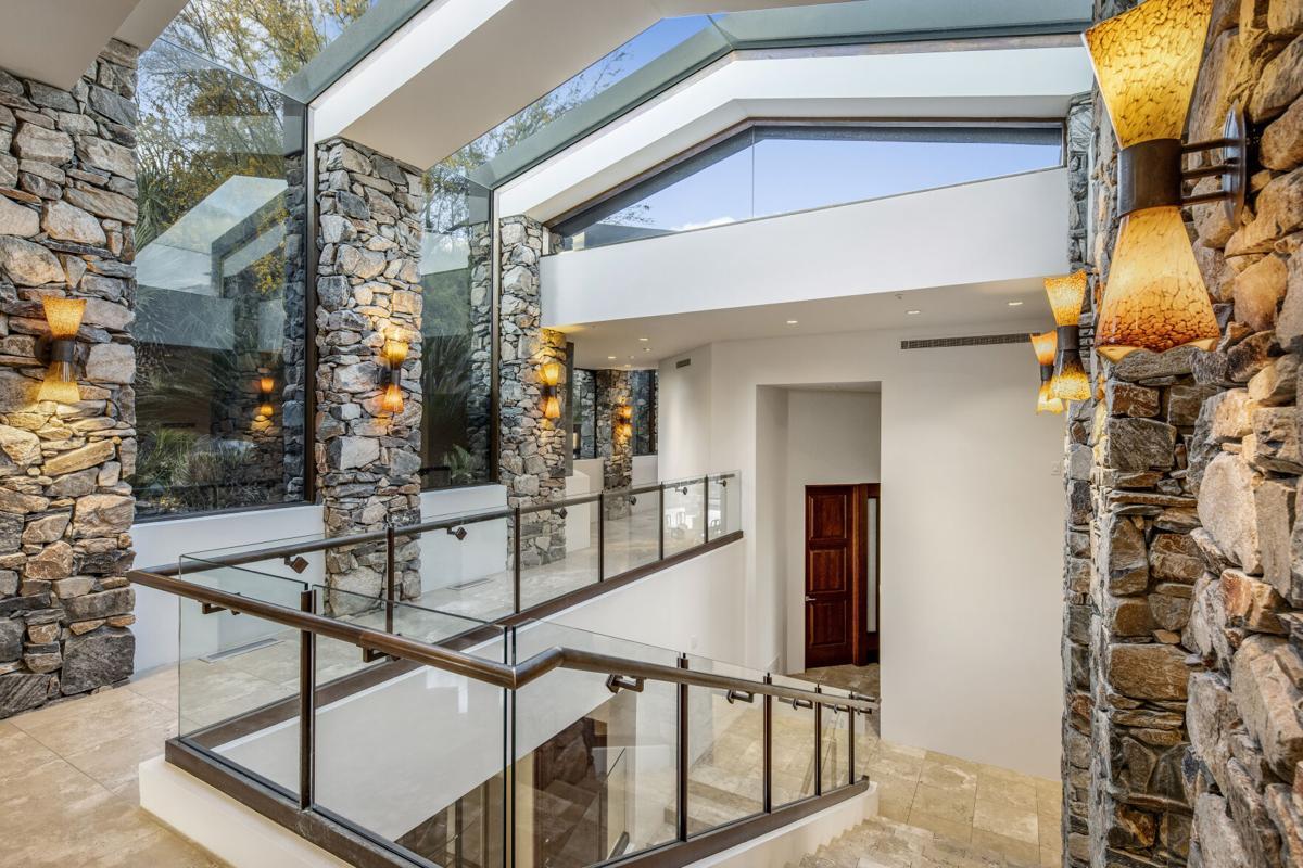 Steven Seagal_s estate Scottsdale (c) Engel _ Völkers Scottsdale (4).jpg
