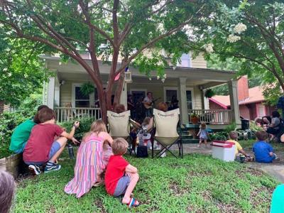 Get on the Lawn at the Dunleath Porchfest