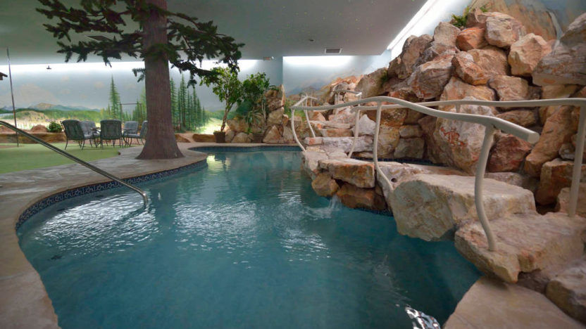 Las-Vegas-Underground-House-pool-1-832x468.jpg