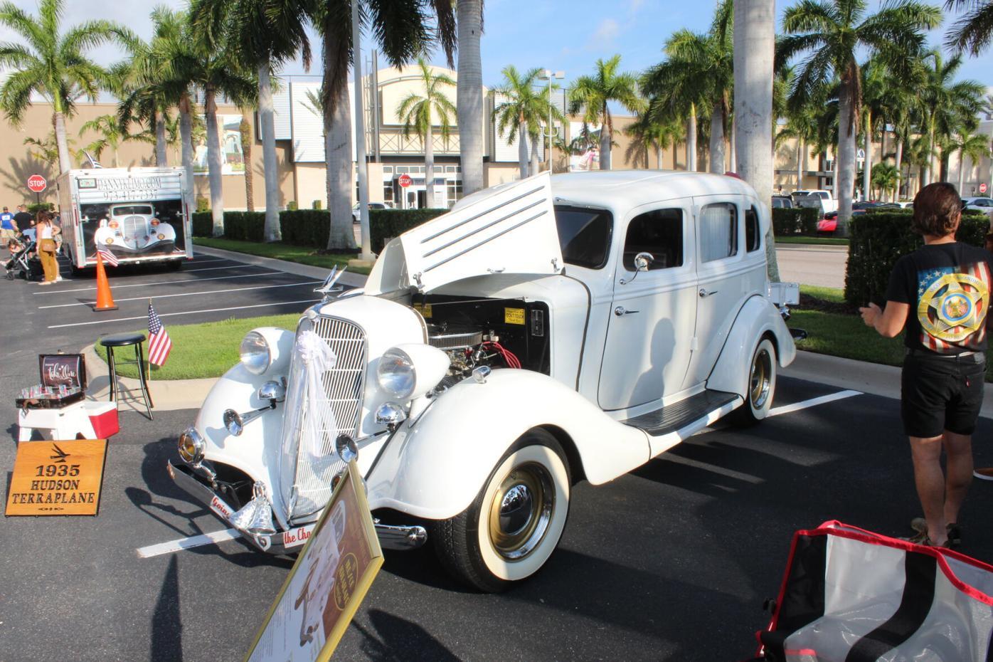 1935 Hudson Terraplane wedding car