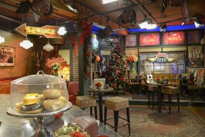 Ultimate Holiday Photo with Friends On The Central Perk Set