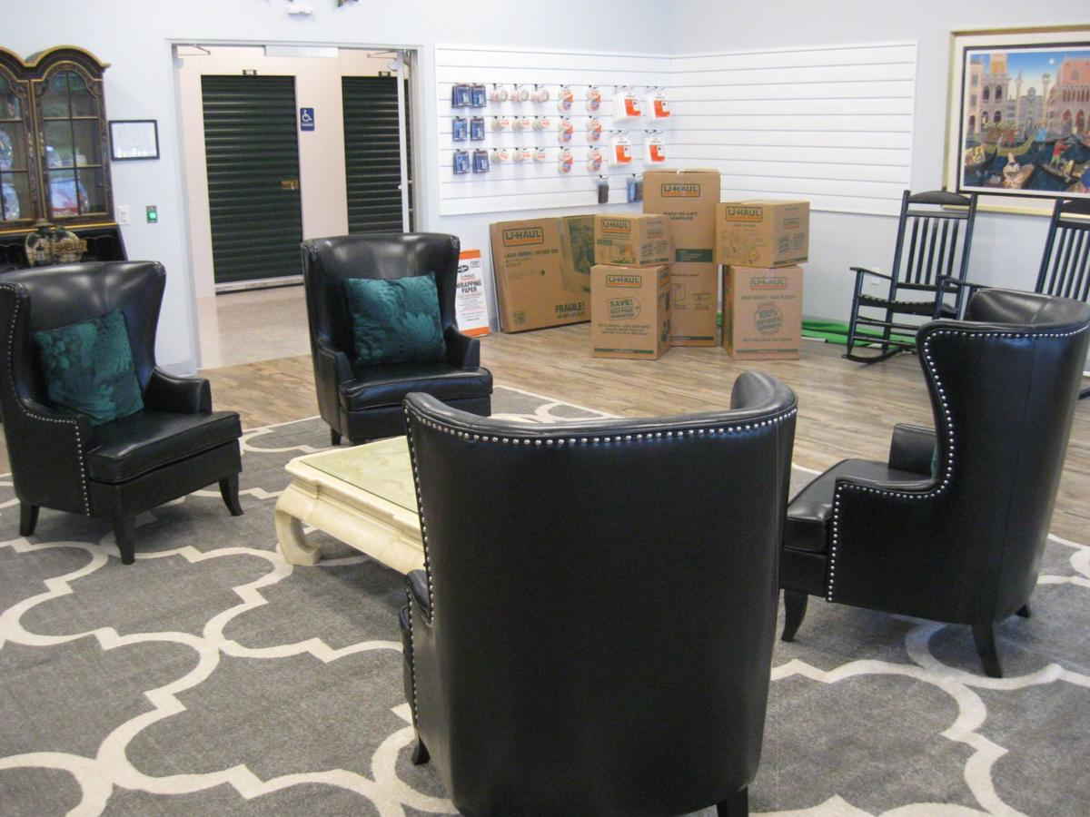 Discount Mini Storage lobby