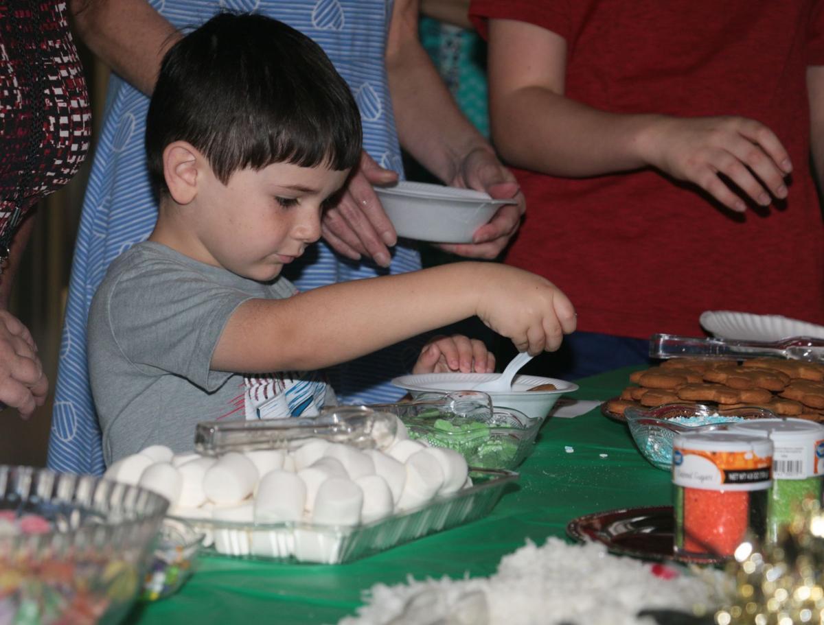 Gingerbread House Workshop (2).JPG