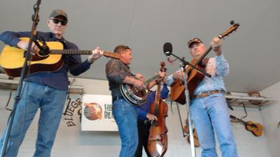 Bluegrass show features Swinging Bridge