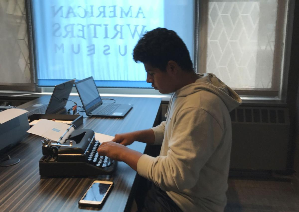 Younger generation discovers typewriters