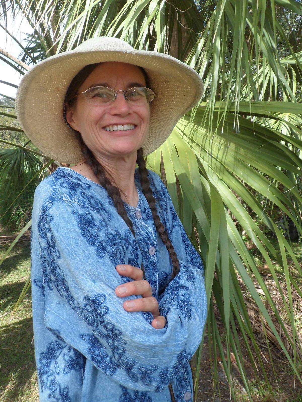 Storyteller Carol Mahler photo
