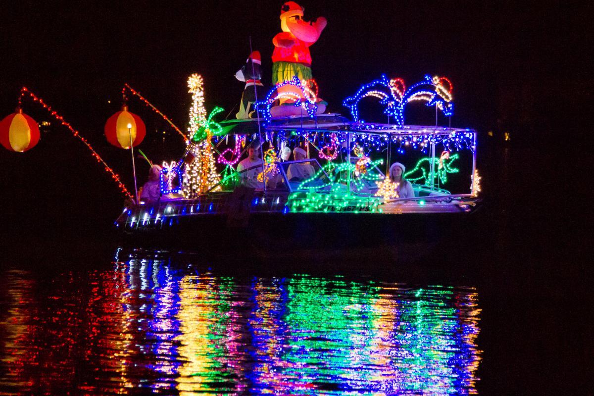 boat parade 2019-1.jpg