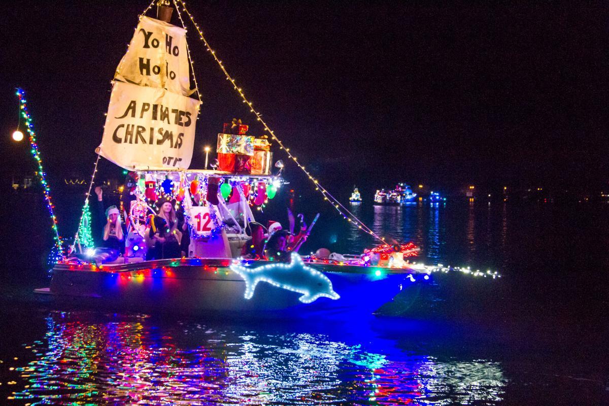 boat parade 2019-12.jpg
