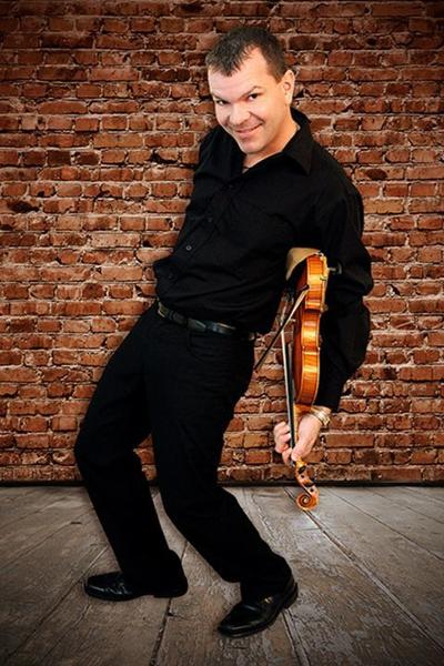 Canadian fiddle champion coming to Englewood