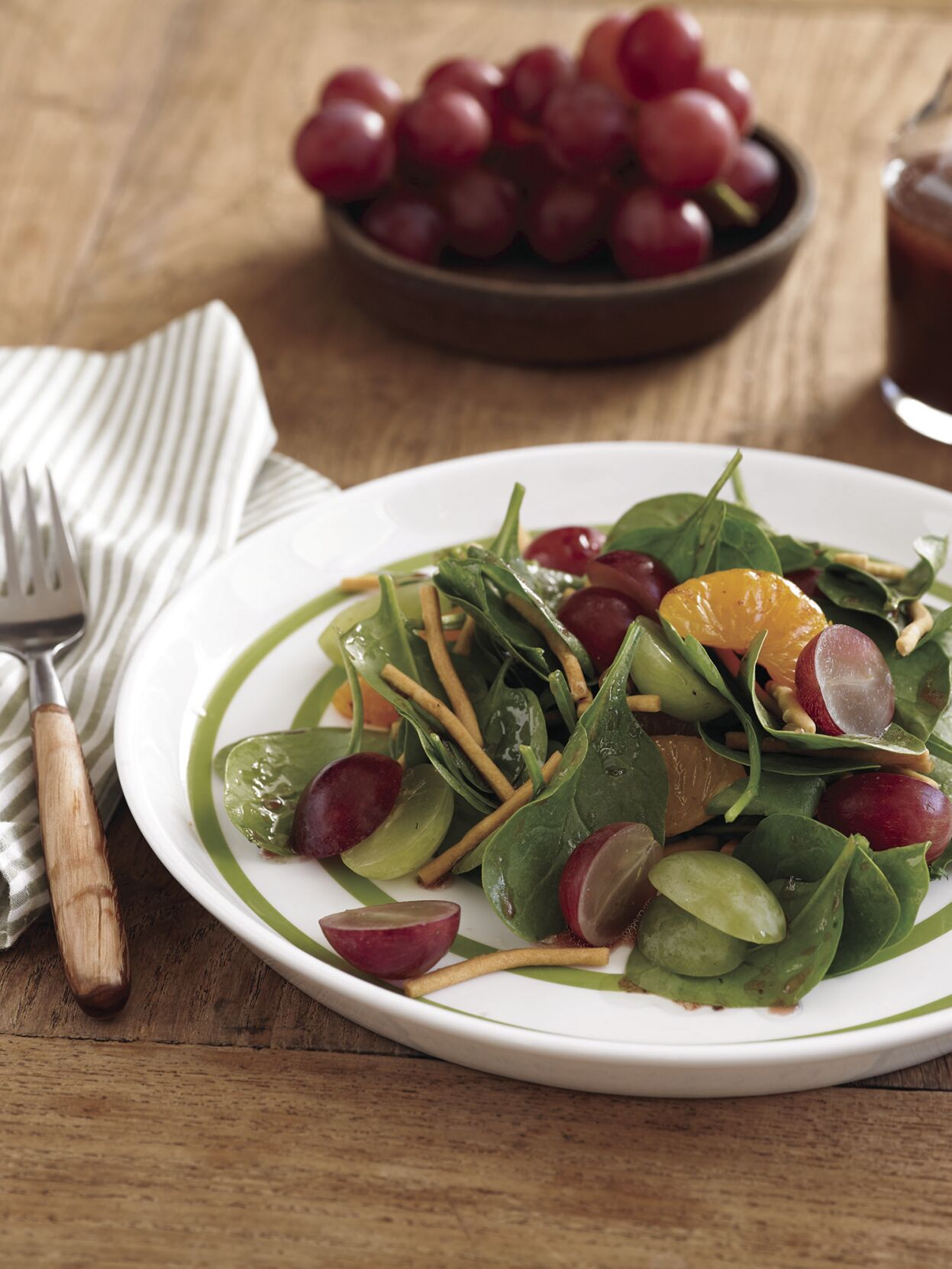 Grape and Spinach Salad with Rasberry Balsalmic Dressing