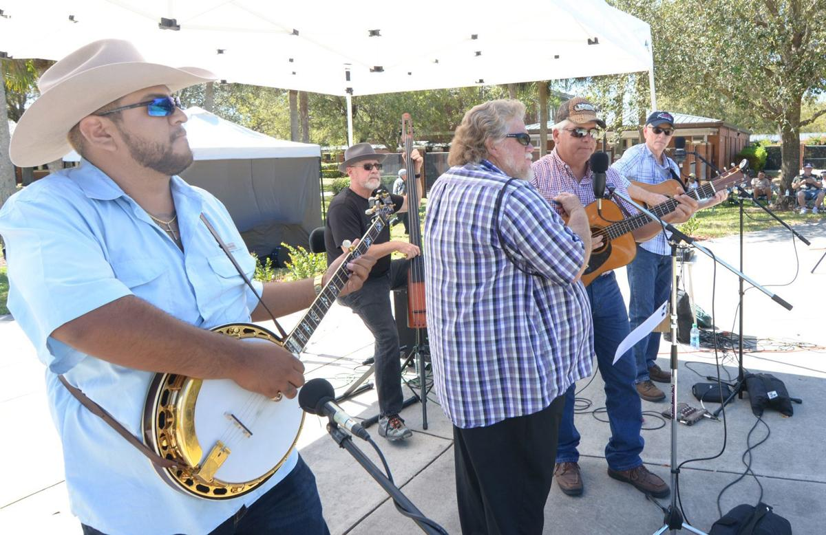Peace River Wildlife getting' down with bluegrass