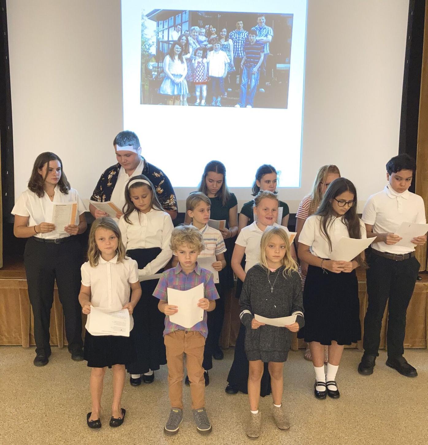 Children's Choir Sings