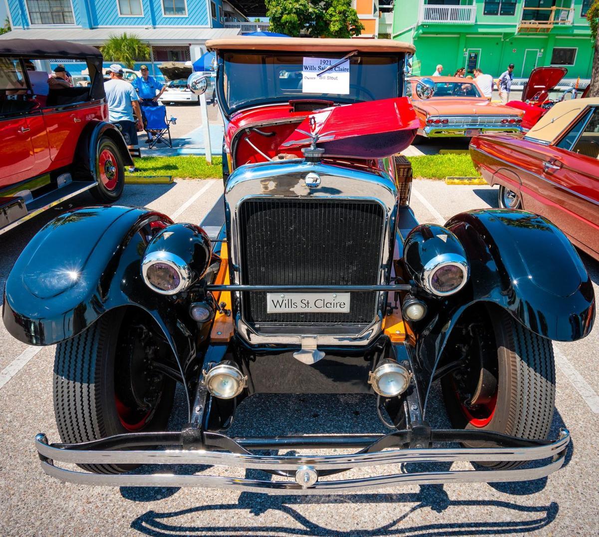 Vintage Motor Car Club showcases vehicles