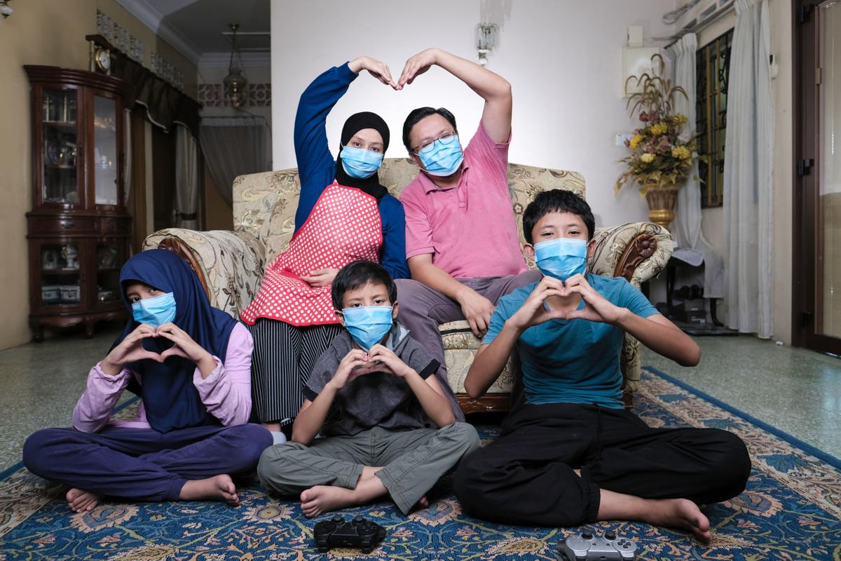 Does wearing masks during pandemic hide our emotions?