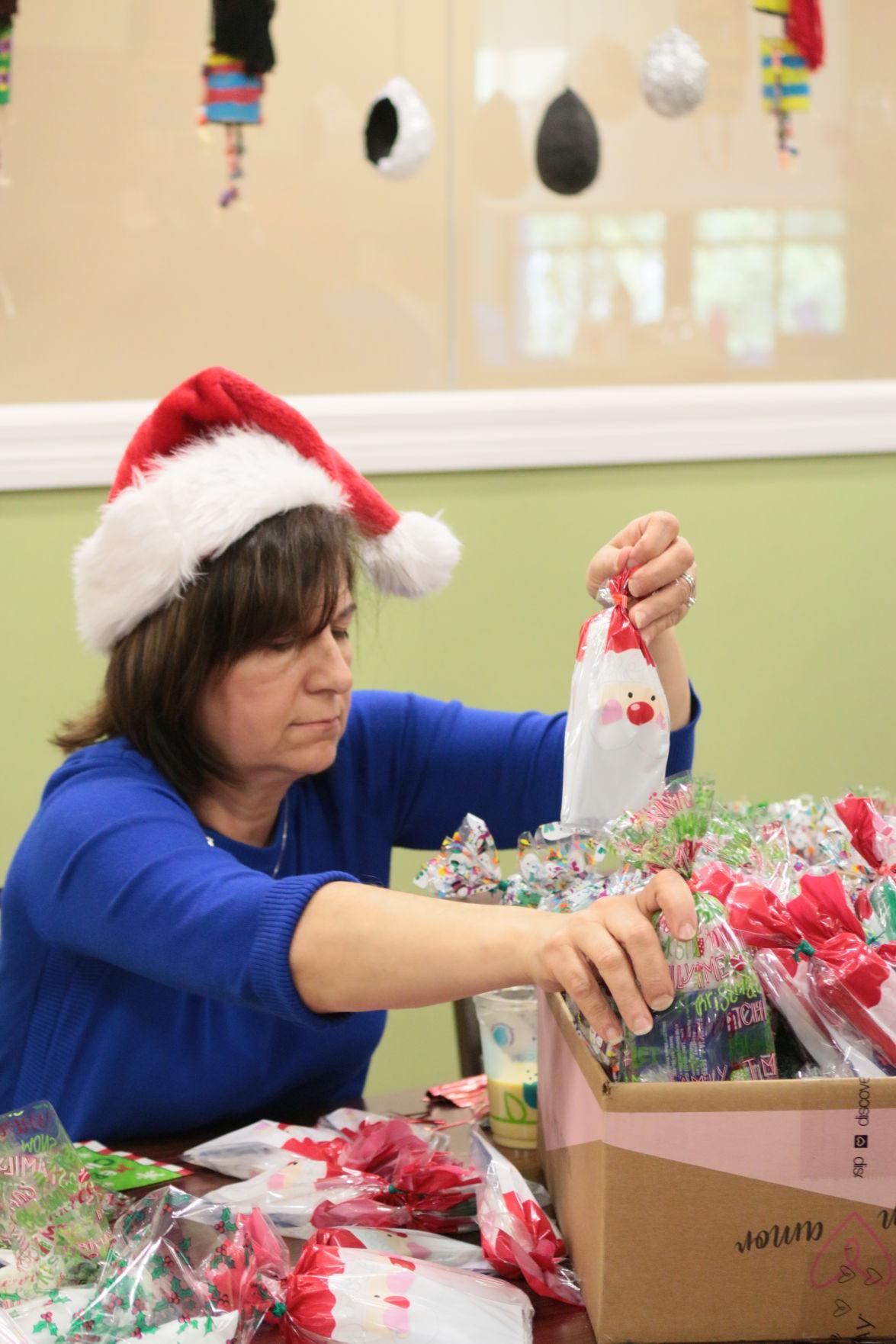 Senior Santa Workshop (1).JPG