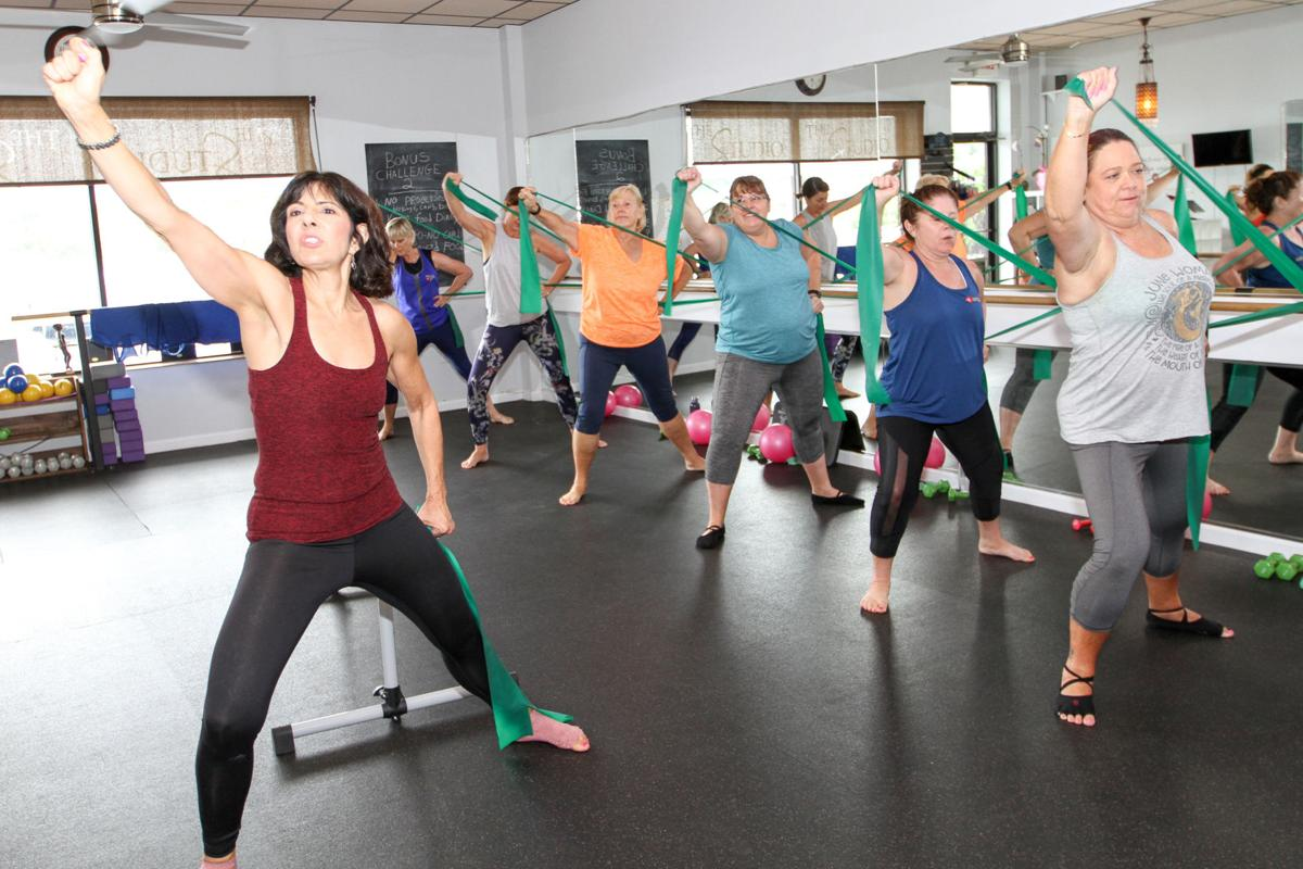 6_WB_SS_ess1_522_Raising the 'barre' for fitness_3.jpg