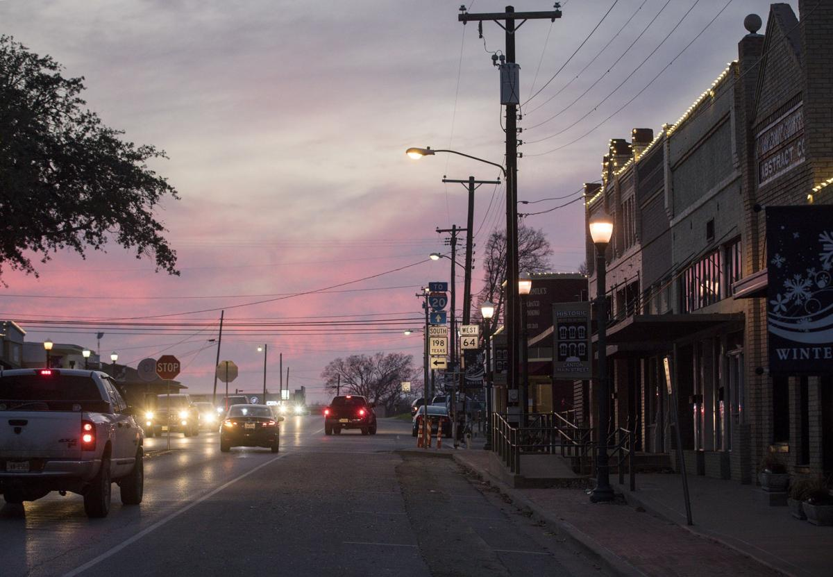 Planned Solar Farm Near Dallas Draws Support Criticism