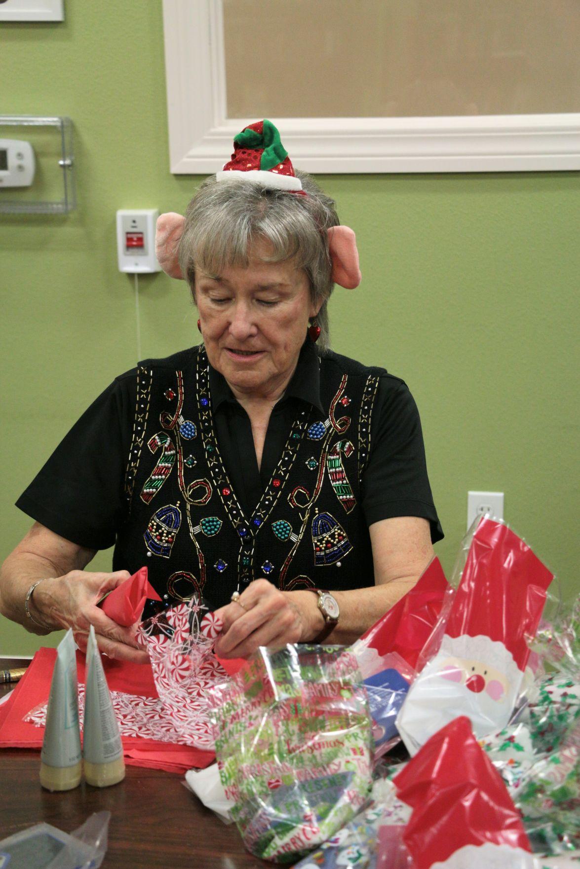 Senior Santa Workshop (2).JPG