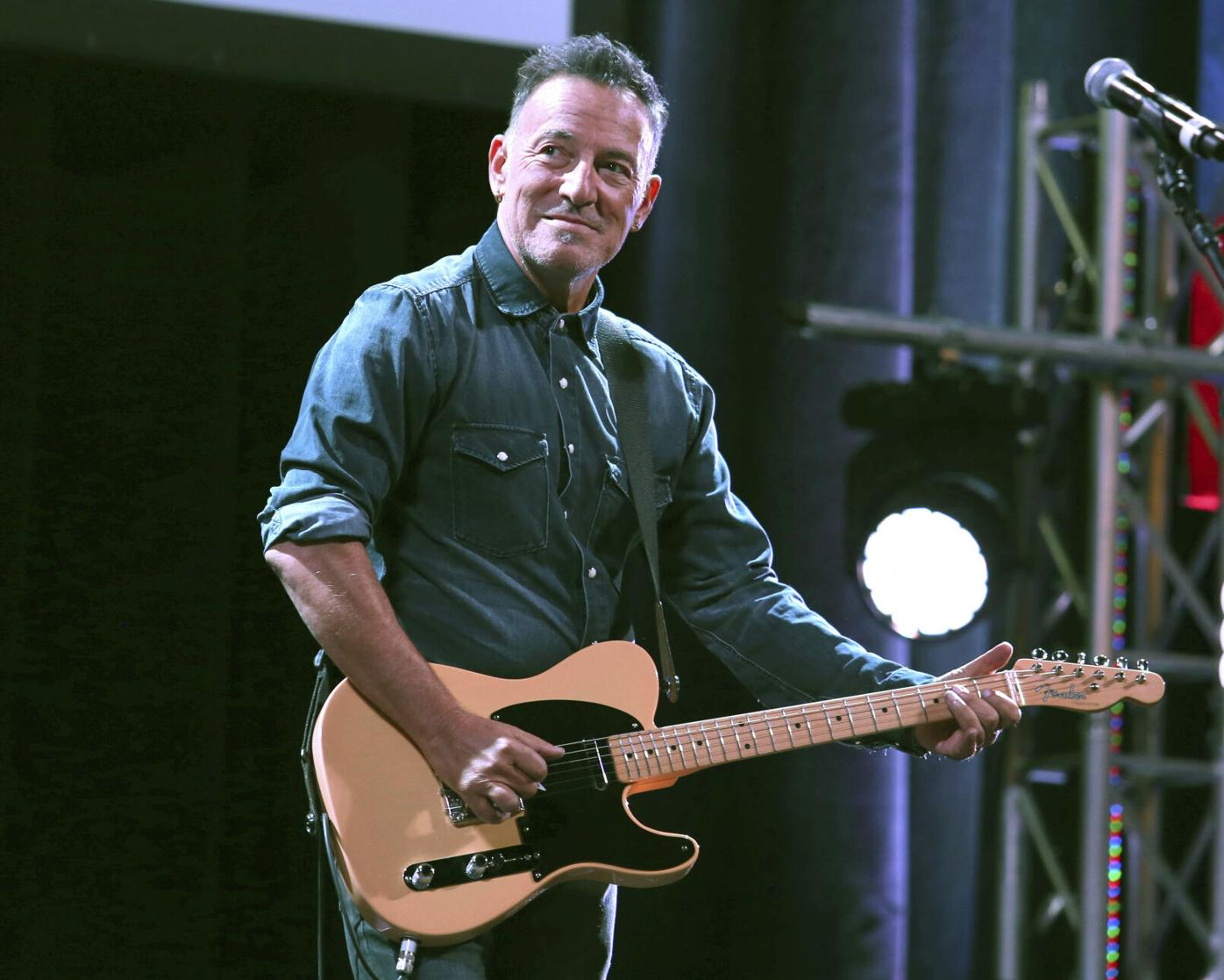 Bruce Springsteen plans Broadway return of his one-man show