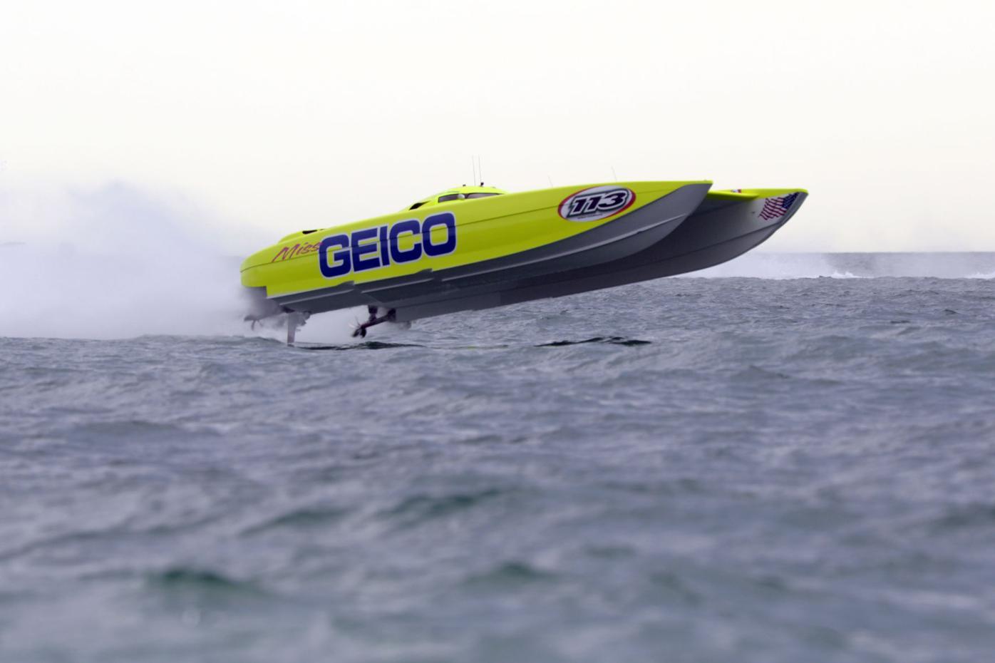 Waterfest boat racing