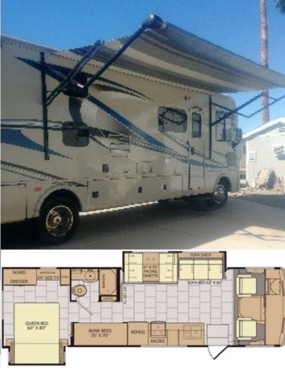 2017 Fleetwood Flair 31E with bunk beds and low mileage image 1
