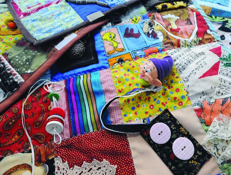 Fidget Quilts Help Soothe Nerves Of Alzheimer S Patients