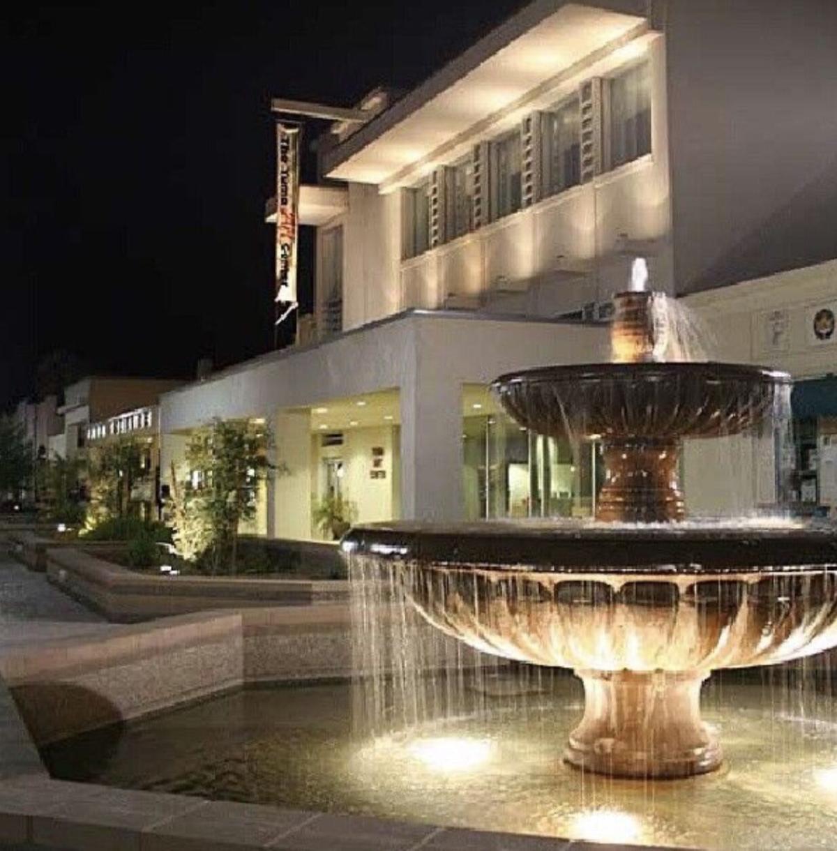 Cactus fountain to replace iconic downtown landmark: Original fountain